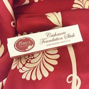 Cashmere Foundation Stick *Coca*